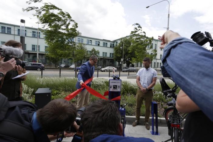 Odwiązanie wstęgi stacja rowerowa Luxoft foto