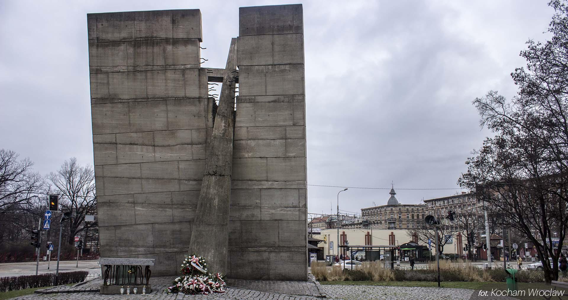Pomnik zeslancom Sybiru PW 3