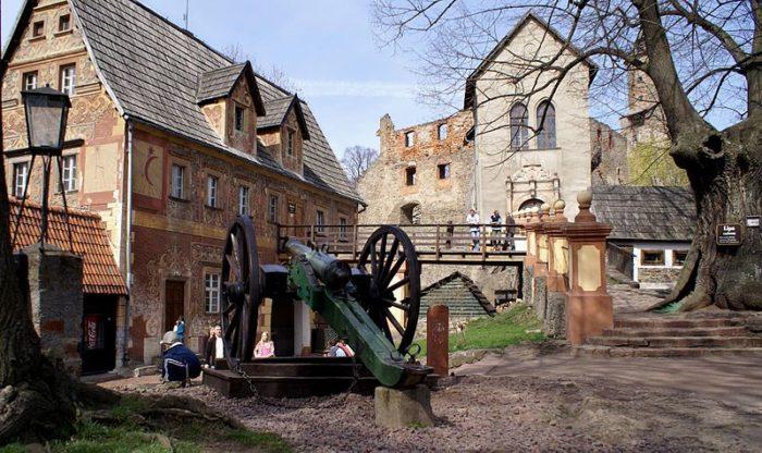 Zamek Grodno - jednodniowe wycieczki w okolicy Wrocławia
